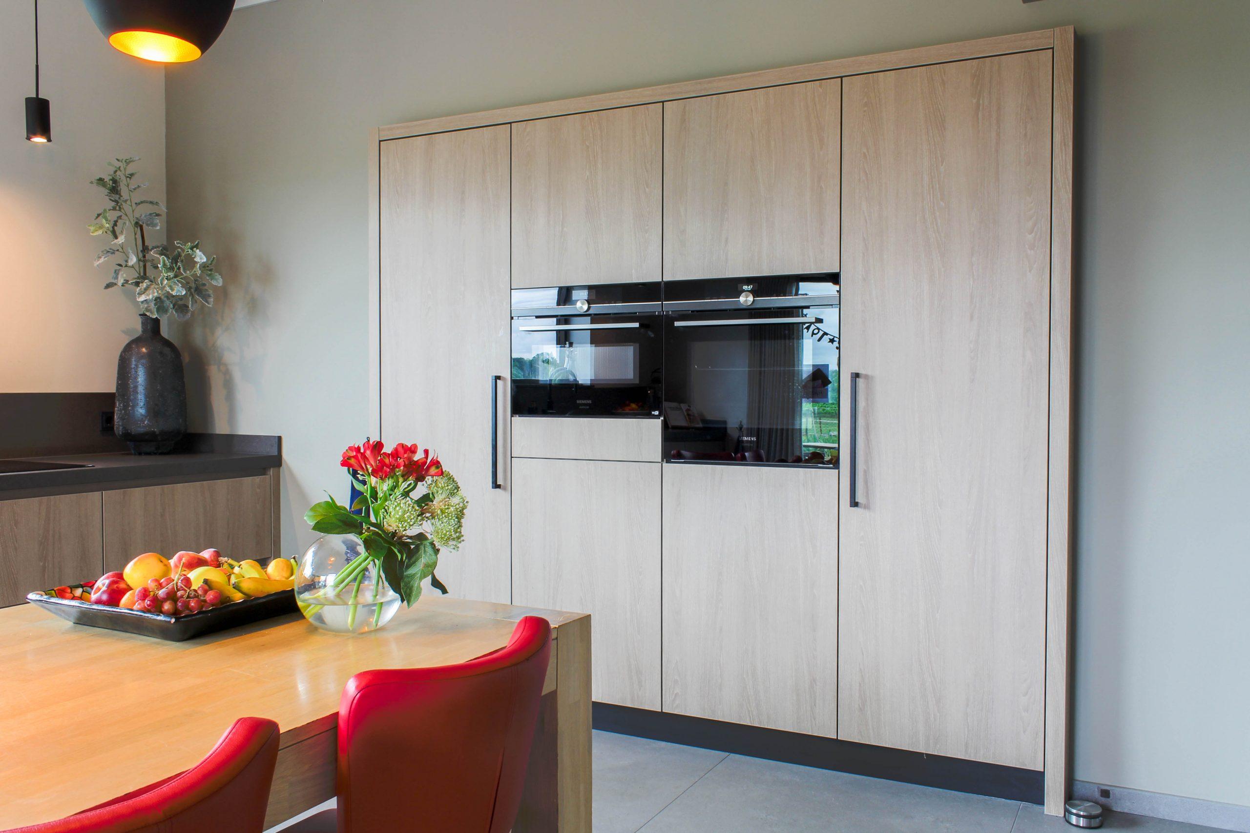 Apparatenwand woonhuis keuken